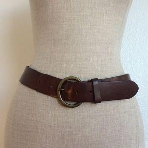 Leather Gap Curved Circle Belt